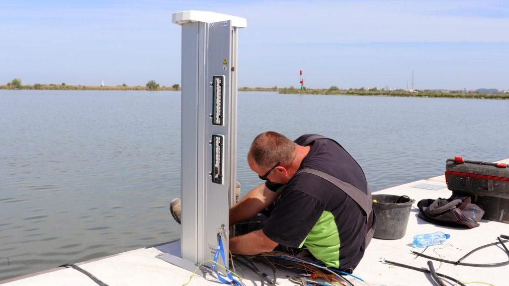 Seijsener-Techniek-jachthaventechniek-installatie-servicezuilen