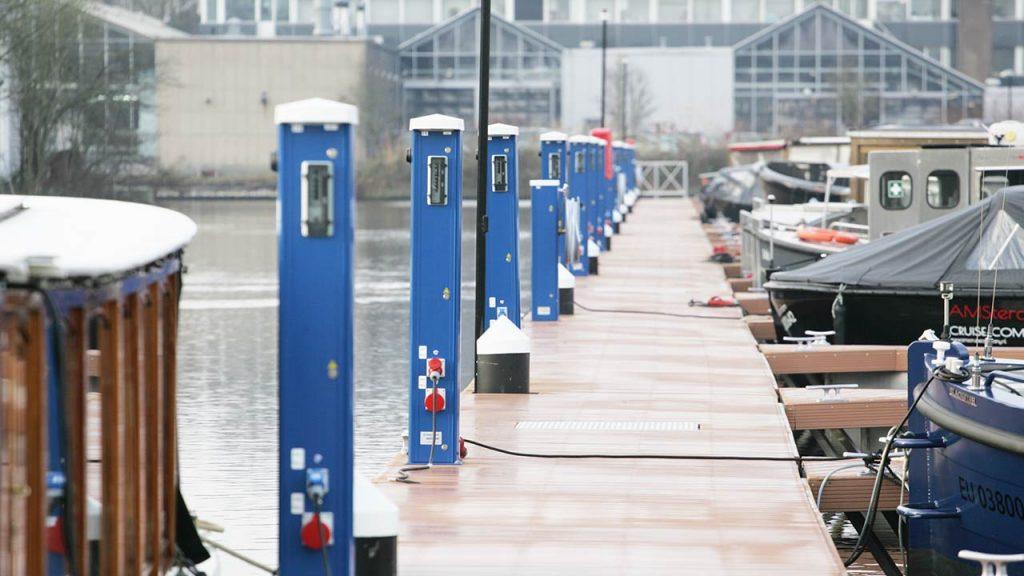 Seijsener marina services products pedestal harbour in E-Harbour Amsterdam