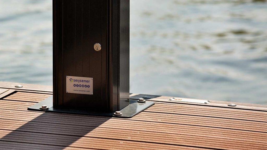 Seijsener marina services products pedestal houseboat infrabox