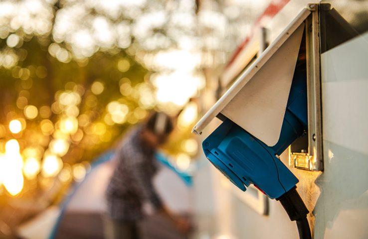 seijsener-techniek-camping-bungalowpark-haven-jachtgaven-elektra-aanleggen-servicezuilen-elektrapaal-technische-installaties